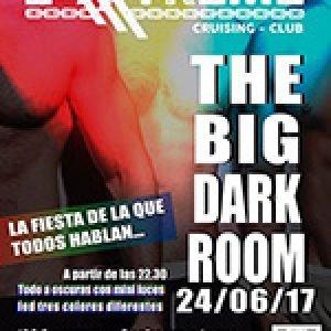 The Big Dark Room. La fiesta de la que todos hablan. El próximo 25 de marzo. Todo a oscuras con mini luces led de tres colores diferentes